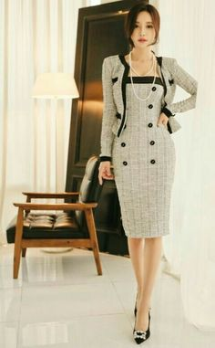 On point suit dress and jacket. Love the accent buttons Iranian Women Fashion, African Fashion, Womens Fashion, Day Dresses, Nice Dresses, Dresses For Work, Classy Outfits, Chic Outfits, Hijab Fashion