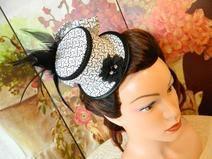 Minizylinder schwarz weiß Punkte Minihat Hut Goth