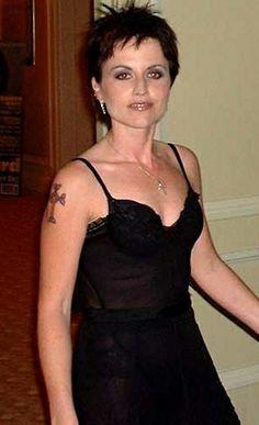 Dolores O'riordan, Cranberries, Music, Photos, Black, Dresses, Fashion, Ireland, Musica