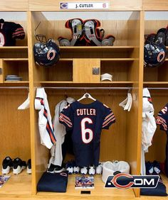 Off the field: week 5 Chicago Bears Baby, Jay Cutler, Bears Football, Lockers, Week 5, Sports, Room, Style, Sport