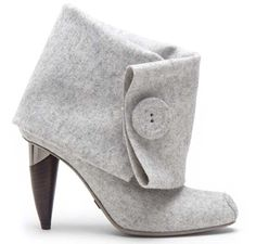 Omelle Shoes - Felt: It seems like the big shoe trend is to make a shoe look like another piece of clothing.like these felt sleeves. these-boots-were-made-for-walking Bootie Boots, Shoe Boots, Shoes Heels, Ankle Booties, Grey Booties, Heeled Boots, Cute Shoes, Me Too Shoes, Adidas