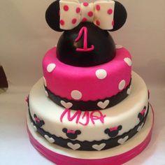 Torta Minnie Minnie cake Tortas temáticas Cali  Cotizaciones 318-502-2822