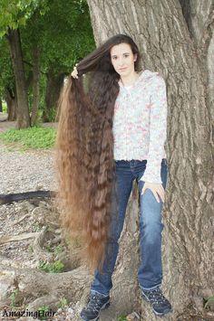 Very Long Hair, Amazing Hair, Cool Hairstyles, Fur Coat, Hair Beauty, Long Hair Styles, Jackets, Fashion, Long Long Hair