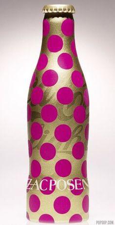 Coca-Cola flesje in een Jean Paul Gaultier jasje!