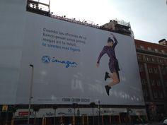 Publicidad exterior de imaginBank en Gran Via de Madrid