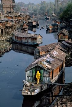 "Steve McCurry explores the meaning of home in this wonderful series of photographs called ""Home Again"" I find his work nothing short of BRILLIANT-a bright shining light! KASHMIR-10096"