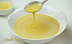 Tahini sau pasta de susan este un ingredient indispensabil in reteta de hummus. Se face usor, insa aveti nevoie de o ustensila de bucatarie destul de putern