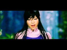 """2002年5月9日発売 11th Single。「Letters」との両A面シングルとして発売。伊藤若冲にインスパイアされた映像美に注目。第17 回日本ゴールドディスク大賞「ソング・オブ・ザ・イヤー」受賞。  -----  Utada Hikaru - Sakura Drops  Hikki's 11th single, released on May 9, 2002. Released together with """"Letters"""" as a double A-side single. The visually stunning clip for this song was inspired by painter Jakuchu Ito. Winner of a 17th Japan..."""