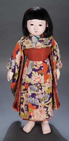 The Legendary Spielzeug Museum of Davos: 551 Rare Japanese Paper-Mache Ichimatsu Child With Signature and Original Costume