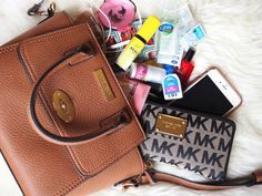 Bella momento | Beauty, Fashion & Lifestyle : What's in my everyday handbag!