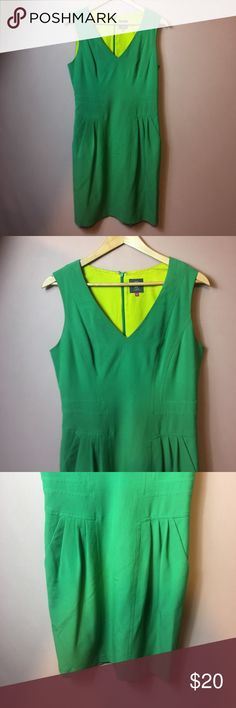 GREEN DRESS!! Sleeveless green dress with lime green lining. Dresses Midi