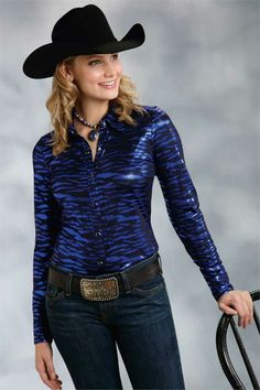 Roper Women's Blue Animal Print Western Show Shirt #rodeo #horseshow #arena #cowgirl