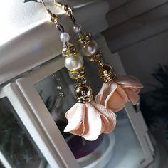 #Pinkearrings#handmade#pinkflower#pearls#gold