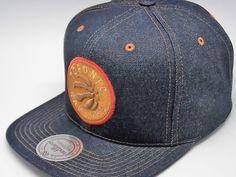 #tophats #caps #gorras #accesorios #capaddict #capsshop #fashion #giftideas #snapback #gorrassnapback #viseraplana #mitchellandness #capsonline #gorrasplanas