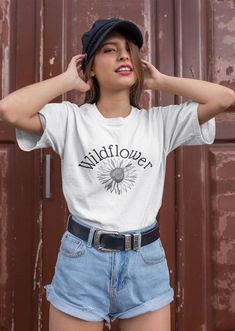 Excited to share this item from my shop: Hogwarts Castle Harry Potter Tshirt Short Sleeve Unisex Crew Neck, Hufflepuff Shirt, Slytherin gift, Couples pajamas, Snuggle this muggle Women's Dresses, Versace, Streetwear, Fashion Magazin, Aesthetic Shirts, Vogue, Thing 1, Queen, Boyfriend Tee