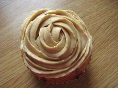 puolukkamuffinssit_11 Icing, Peanut Butter, Sweet Tooth, Desserts, Deserts, Dessert, Postres, Nut Butter, Food Deserts