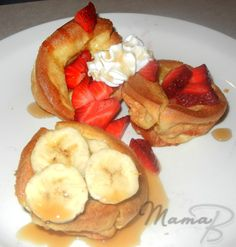 cupcake pancakes - oh my, these are calling my name. my thighs are fattening up as i look at the picture!