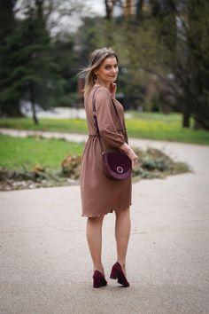 Brąz w stylizacji na wiosnę w towarzystwie bordowych dodatków | Combination of bronze and burgundy - Annastylefashion Saddle Bags, Chloe, Fashion, Moda, Fashion Styles, Fashion Illustrations