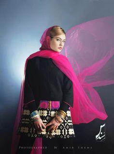 © Sondos --- Follow Iranian art trends on www.percika.com