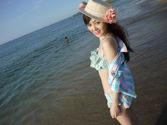 Mahasiswi China 'Main' di Pantai | wisbenbae
