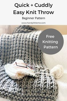 Easy squishy knit throw blanket pattern - great for any beginner knitters this will introduce you to the broken rib stitch. Easy squishy knit throw blanket pattern - great for any beginner knitters this will introduce you to the broken rib stitch. Easy Knitting Projects, Easy Knitting Patterns, Knitting For Beginners, Knit Blanket Patterns, Knitting Ideas, Yarn Projects, Loom Patterns, Knitted Baby Blankets, Knitted Throws