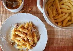 To naj z tradičnej, slovenskej kuchyne: Zemiakové šúľance a guľky Gnocchi, Ale, Waffles, Breakfast, Food, Basket, Meal, Eten, Ales