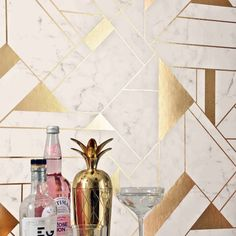 Crown Islington Geometric Gold/White Foil Metallic Wallpaper - Specially designed to add a touch of glamour to your home. This beautiful wallpaper features a modern geometric design and is brought to life in an elegant white and gold foil finish. White And Gold Wallpaper, Geometric Wallpaper Design, Metallic Wallpaper, Vinyl Wallpaper, Wallpaper Roll, Accent Wallpaper, Office Wallpaper, Geometric Decor, Gold Painted Walls