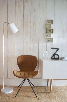 Witte houten planken zorgen voor een lichte, maar toch warme sfeer in huis #wood #furniture #design