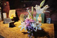Casamento Marcela e Rodrigo: http://www.blogdocasamento.com.br/cerimonia-festa-casamento/decoracao-festa-igreja/decoracao-rustica-com_um_toque_vintage/