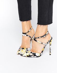 Imagen 1 de Zapatos de tacón alto con puntera en punta PICTURE de ASOS