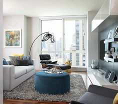 Chic modern high-rise apartment in Chicago