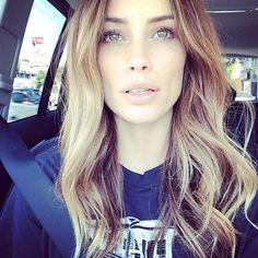 Arielle Vandenberg // beachy waves #hair #beauty #vine #longhair