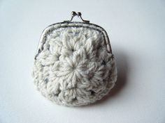 free crochet patter, lion brand, wool ease, coin purse, swellamy
