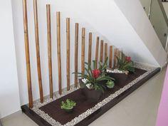 21 Inspiring Under Stairs Pebble Garden Ideas -Get the inspiration you need to p. Indoor Zen Garden, Indoor Bamboo, Jardin Zen Interior, Interior Garden, Interior Stairs, Interior Design Living Room, Living Room Designs, Pebble Garden, Zen Rock Garden