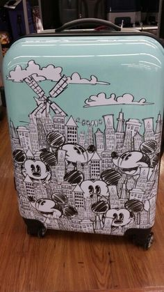 I have used many travel luggage some of goo. Luggage is the best think in travel. I have used many travel luggage some of goo. Luggage is the best think in travel. I have used many travel luggage some of goo. Mickey Mouse Luggage, Disney Luggage, Best Travel Luggage, Cute Luggage, Mickey Minnie Mouse, Luggage Bags, Mickey Mouse Clothes, Kids Luggage Sets, Mickey Mouse Outfit