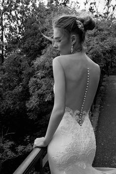 TEODATA #wedding #marriage #weddingdress #abitodasposa #2016 #collection #sposa #bride #bridal #brides #bridalcouture #couture #bianco #blackandwhite