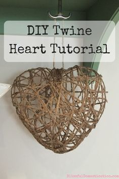 This is a really simple tutorial to make your own twine heart. These twine hearts are a great rustic home decor, and I have several dotted around our house. Heart Diy, Heart Crafts, Craft Projects For Adults, Diy Craft Projects, Twine Crafts, Decor Crafts, Diy Projects For Boyfriend, Dollar Tree Crafts, Diy Décoration