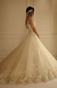 Yasmine Yeya Couture Wedding Dresses - MODwedding.  Jesus.