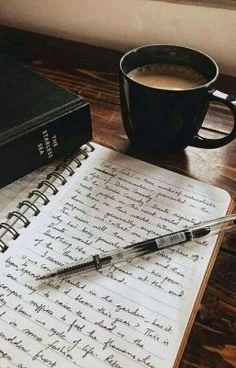 Momentos de desahogo de miranda Cheap Textbooks, Study Hard, Hard Work, Coffee And Books, Studyblr, Book Aesthetic, Study Notes, Study Motivation, Book Photography
