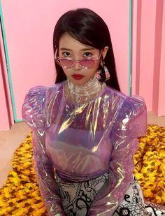 Iu Fashion, Fashion Outfits, Korean Girl, Asian Girl, Korean Actresses, Kpop Aesthetic, Girl Crushes, Cute Hairstyles, Pretty People