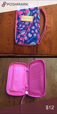 Never used Lilly wristlet Brand new blue pink and real Lilly Pulitzer wristlet Lilly Pulitzer Bags Clutches & Wristlets