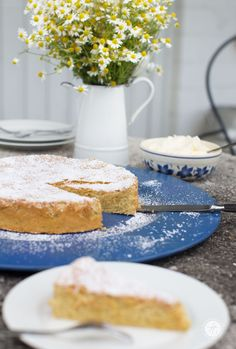 Mallorquinischer Mandelkuchen, einfach, saftig, locker, leicht   Rezept von feiertäglich.de #ichbacksmir Fernweh