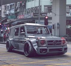 Mercedes G Wagon.Always wanted one of these but never seen one done up this crazy Mercedes G Wagon…Always wanted one of these but never seen one done up this crazy? Mercedes G Wagon…Always wanted one of these but never seen one done up this crazy? Mercedes Auto, Mercedes G Wagon, Audi Wagon, Suv Bmw, Bmw Cars, Lamborghini, Ferrari, Allroad Audi, Modified Cars