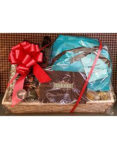Cesta natalizia confezionata #Xmas #basket #food #sicily #siciliancuisine  #special #gift #gourmet #tabarè