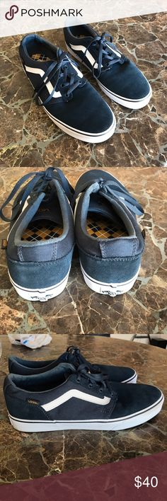Vans classic sneakers men's ❗️ In perfect condition really clean inside and out originals men's skate shoes super cool! Vans Shoes Sneakers