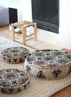 Ibiza style round floor cushions - pillows in the loft Futons, Home And Deco, Bohemian Decor, Bohemian Print, Floor Pillows, Large Floor Cushions, Floor Pouf, Throw Pillows, Soft Furnishings