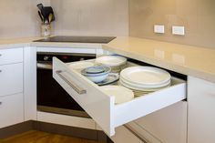 Contemporary, timeless kitchen fit for an adult family. www.thekitchendesigncentre.com.au @thekitchen_designcentre