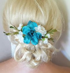 Check out this item in my Etsy shop https://www.etsy.com/listing/470836533/boho-bridal-fascinator-rustic-clip