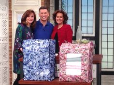 Having fun with @omichael #QVC UK today before the show and not forgetting our new polyester space saver #storage bags!! www.thecamouflgecompany.com