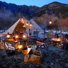 Trendy tent camping set up life Camping Set Up, Camping Parties, Camping Style, Retro Camping, Outdoor Life, Outdoor Camping, Outdoor Living, Tenda Camping, Bushcraft Camping